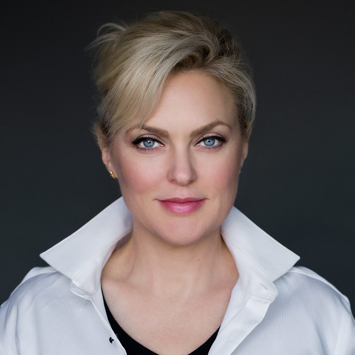 Elaine Hendrix Biography: Is she married? Find out her